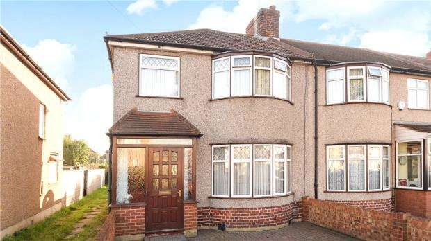 3 Bedrooms Semi Detached House for sale in Bourne Avenue, Hayes