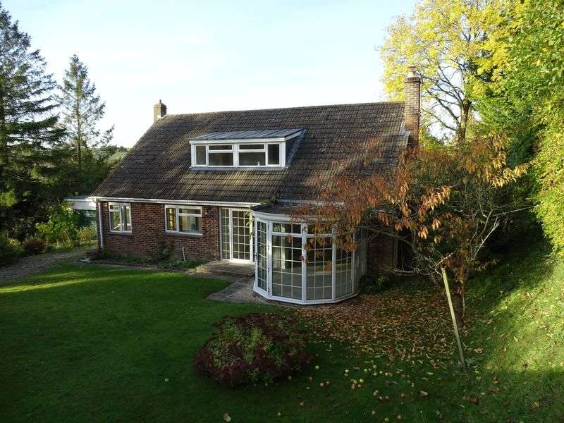 4 Bedrooms Detached Bungalow for sale in Rivermead, Idmiston