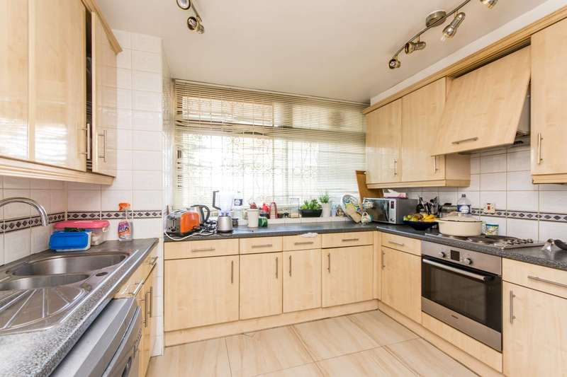 3 Bedrooms Flat for sale in Finchley Road, St John's Wood, NW8