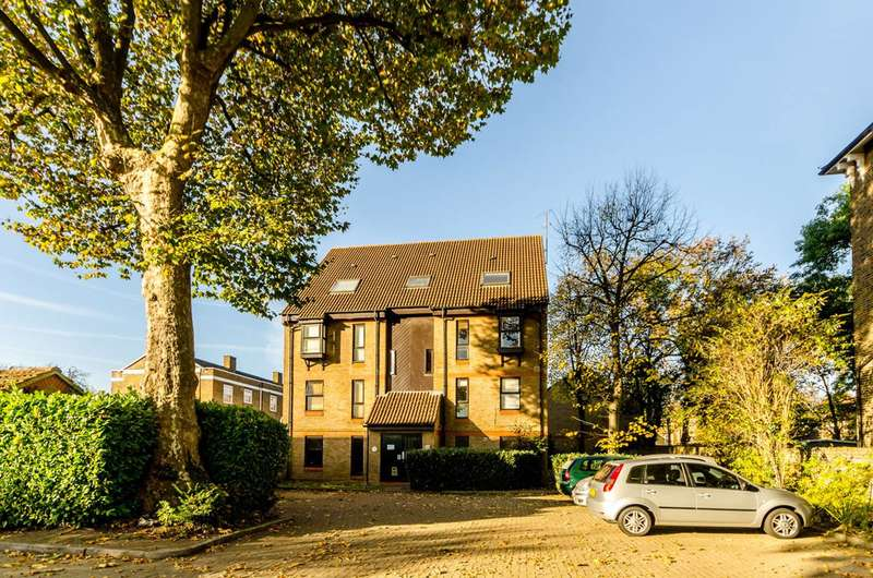 Studio Flat for sale in Wycherley Close, Blackheath, SE3
