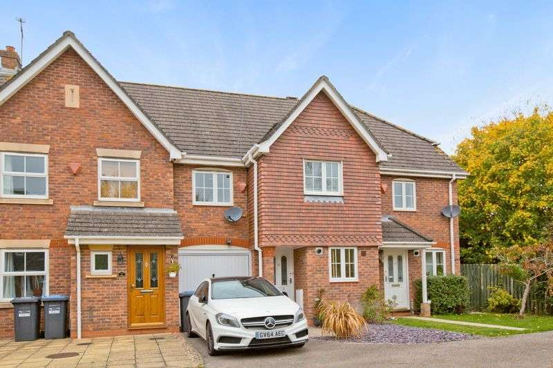 3 Bedrooms House for sale in The Acorns, Burgess Hill