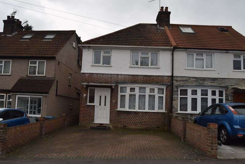 3 Bedrooms Semi Detached House for sale in Oakdene Road, Watford,WD25