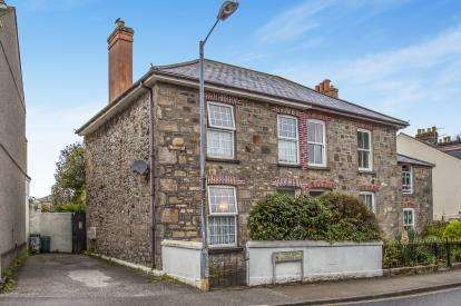 3 Bedrooms Semi Detached House for sale in Camborne, Cornwall, Uk