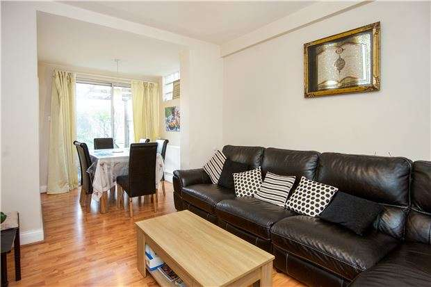 4 Bedrooms Terraced House for sale in Holden Avenue, KINGSBURY, NW9 8HP
