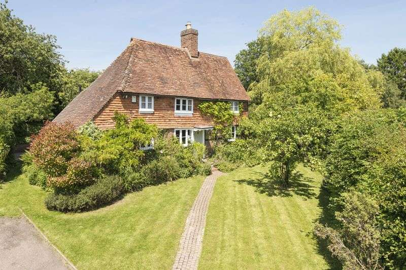 2 Bedrooms Detached House for sale in Stunning and unique tile-hung 16th century wisteria-clad cottage