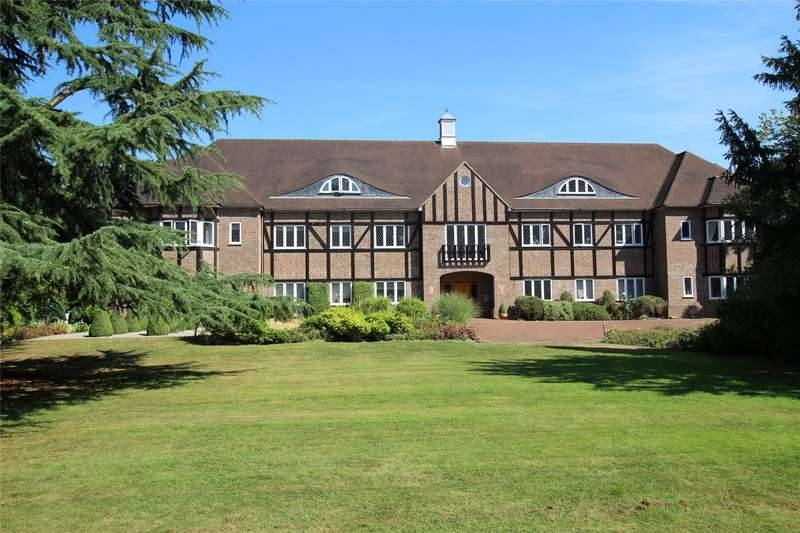 3 Bedrooms Flat for sale in Highfield Manor, Highfield Lane, St. Albans, Hertfordshire, AL4