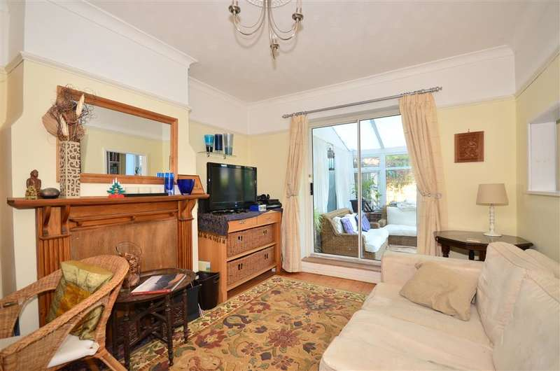 4 Bedrooms Semi Detached House for sale in Place Road, Cowes, Isle of Wight