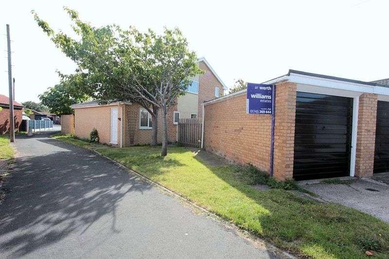 4 Bedrooms Detached House for sale in Llys Tudur, Rhyl