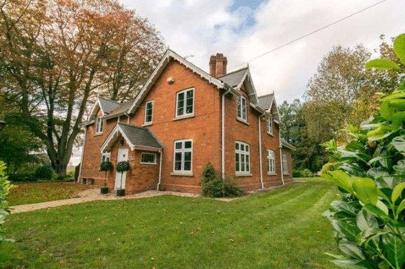 4 Bedrooms Property for sale in East Ravendale, Grimsby DN37