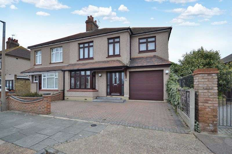 4 Bedrooms Semi Detached House for sale in King Edward Road, Stanford-Le-Hope