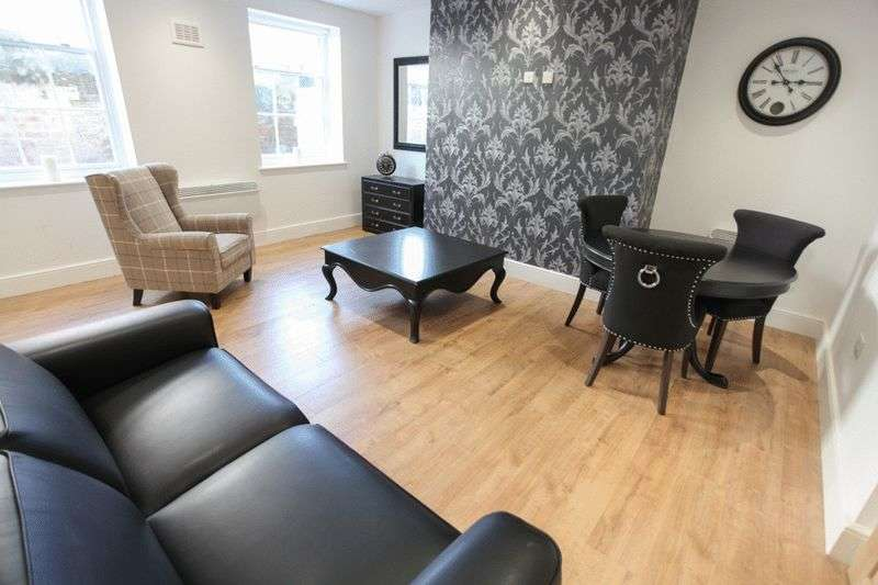 3 Bedrooms Flat for rent in Huskisson Street, Liverpool