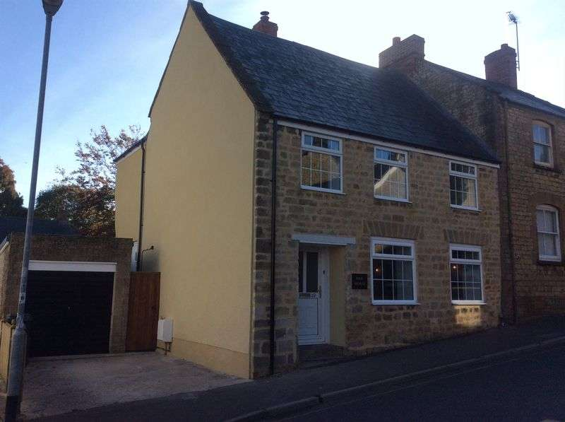 3 Bedrooms Terraced House for sale in Hermitage Street, Crewkerne