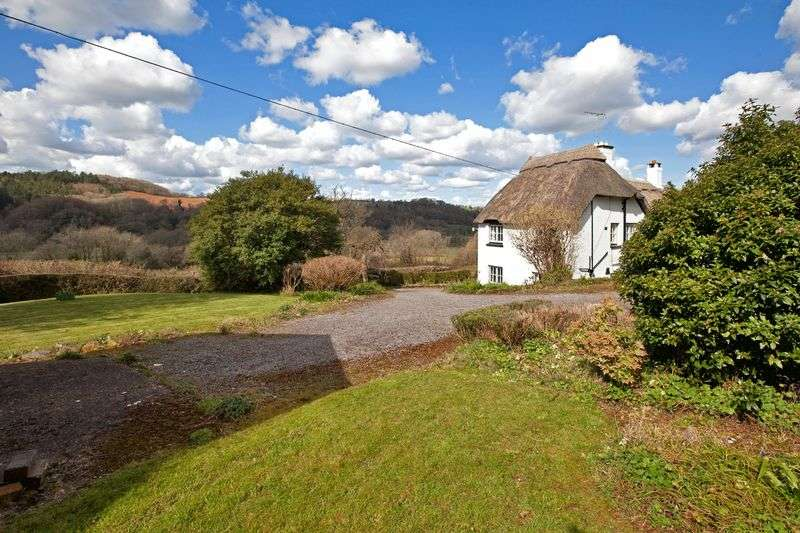 4 Bedrooms Semi Detached House for sale in Bickleigh