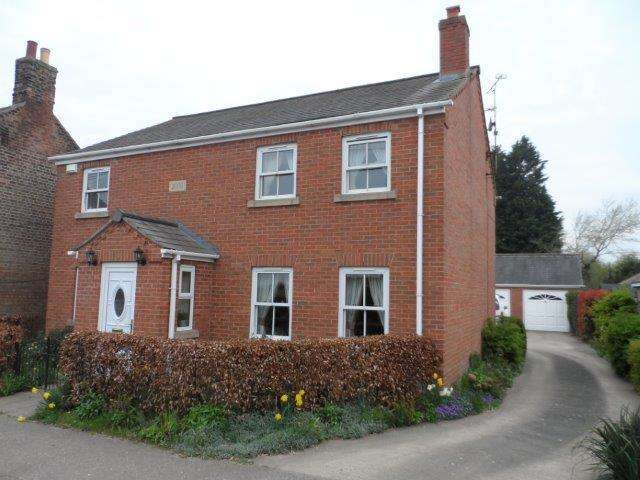 4 Bedrooms Detached House for sale in Main Road, Three Holes, Wisbech, Cambs, PE14 9JR