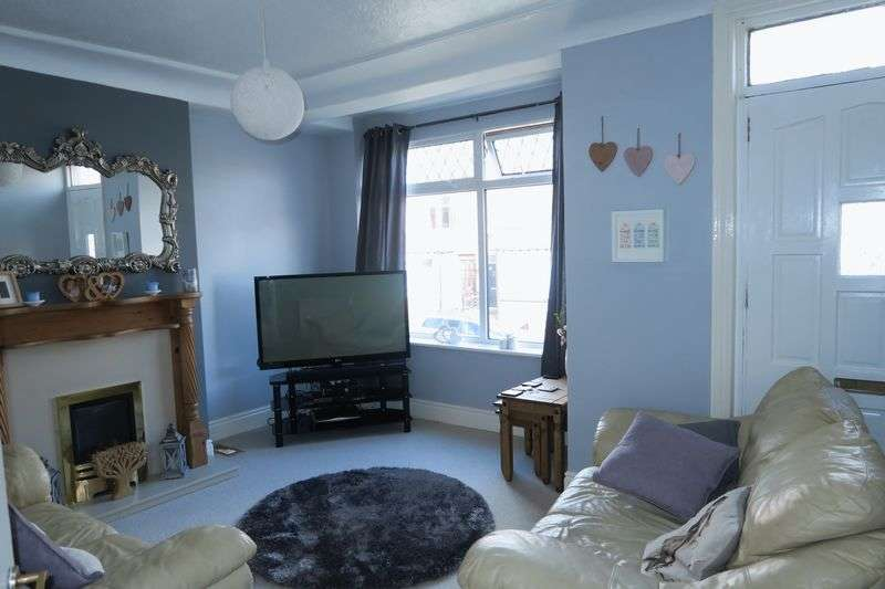 2 Bedrooms Terraced House for sale in Granny Avenue, Churwell, Morley, Leeds