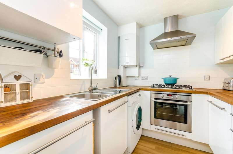 2 Bedrooms Terraced House for sale in Windrush, New Malden, KT3