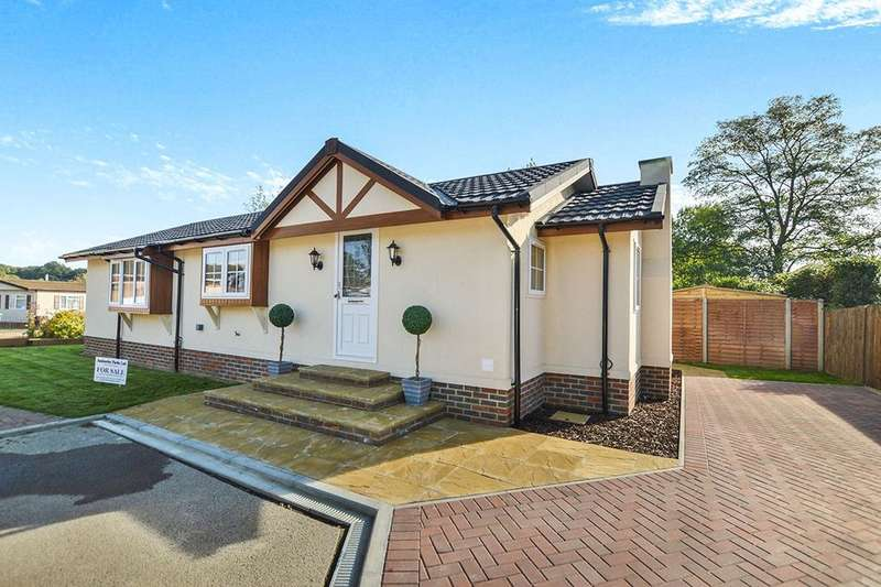 2 Bedrooms Bungalow for sale in Six Bells Park, Woodchurch, Ashford, TN26