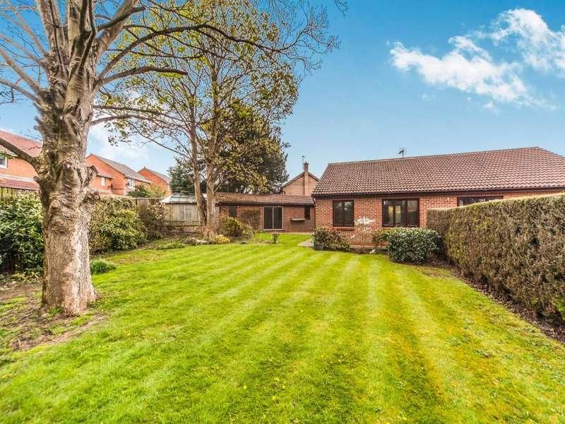 2 Bedrooms Semi Detached Bungalow for sale in Westkirk Close, Darlington, DL3