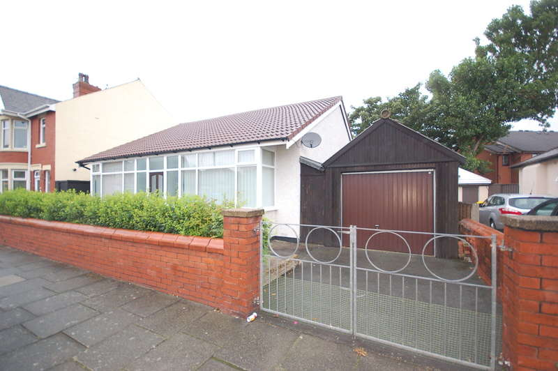 3 Bedrooms Detached Bungalow for sale in Hemingway, Blackpool