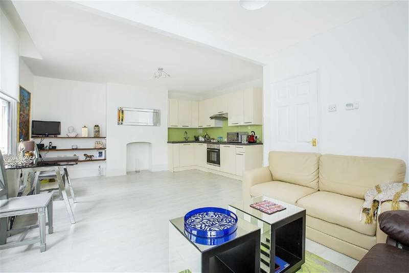 2 Bedrooms Flat for sale in Palace Road, Brixton, London, SW2
