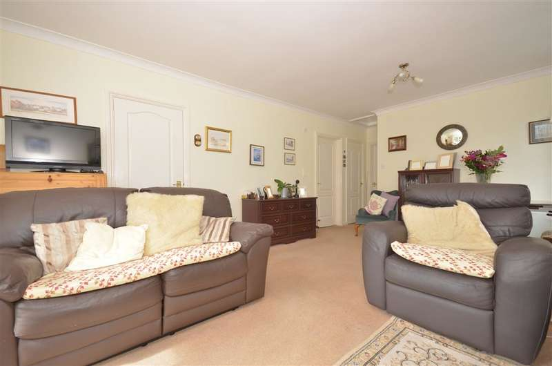 2 Bedrooms Bungalow for sale in Havant Road, Emsworth, Hampshire