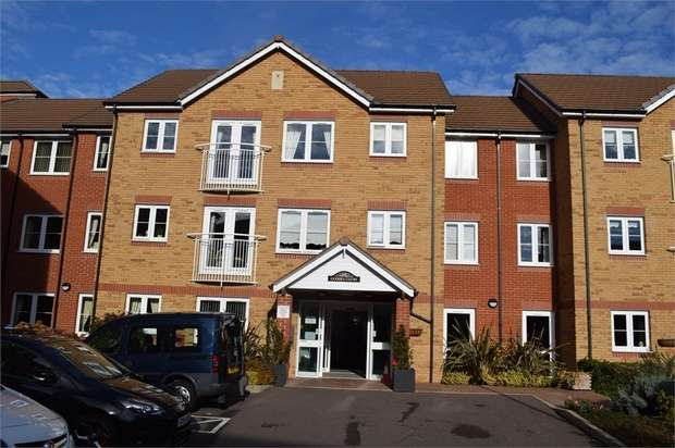 1 Bedroom Flat for sale in Goodes Court, Royston, Hertfordshire