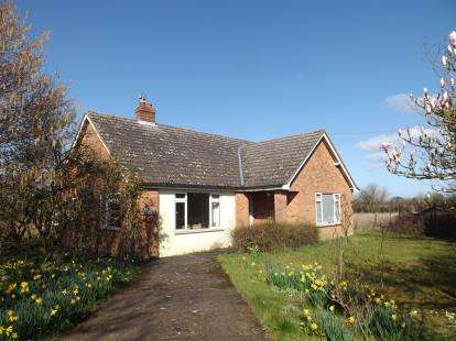3 Bedrooms Equestrian Facility Character Property for sale in Wicklewood, Wymondham, Norfolk