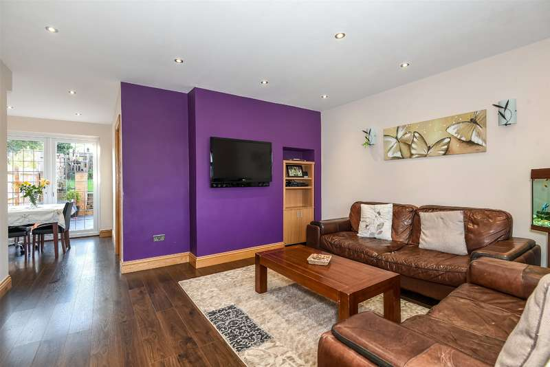 3 Bedrooms Terraced House for sale in Orchard Way, Mill End, Hertfordshire, WD3