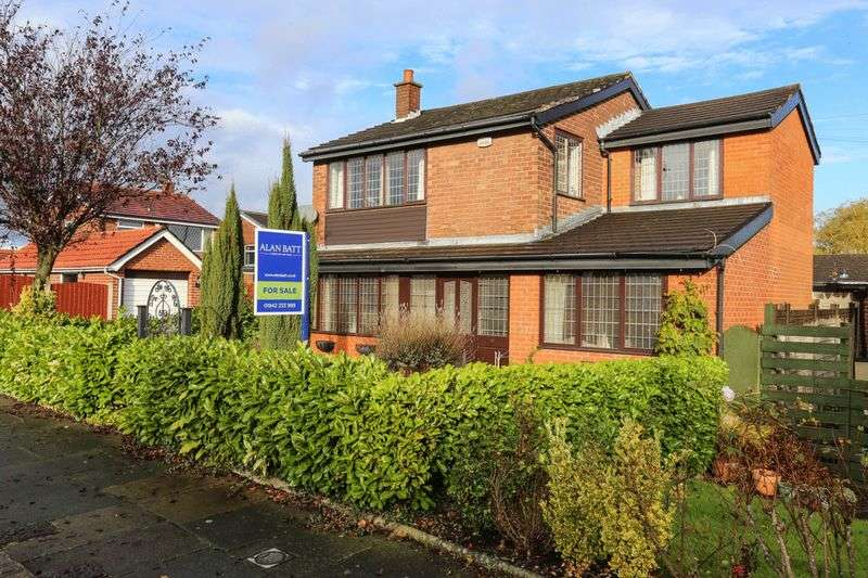 4 Bedrooms Detached House for sale in Holmes House Avenue, Winstanley