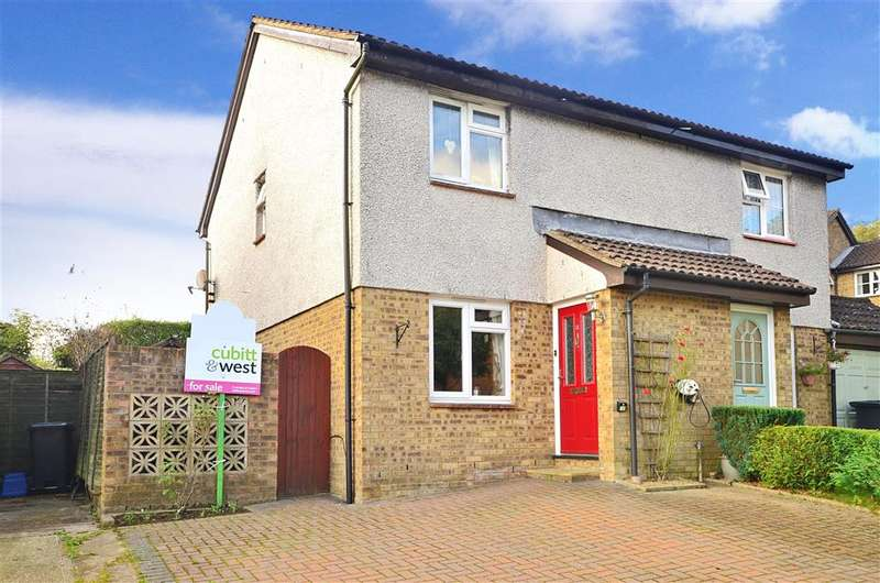 3 Bedrooms Semi Detached House for sale in Rockington Way, Crowborough, East Sussex