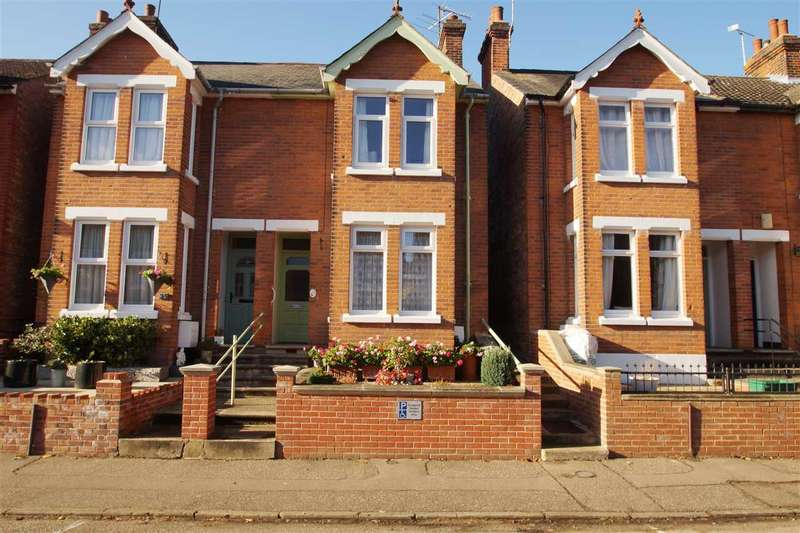 3 Bedrooms Semi Detached House for sale in Scarletts Road, Colchester