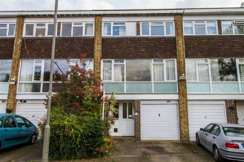 3 Bedrooms Terraced House for sale in Ringwood Gardens, Roehampton