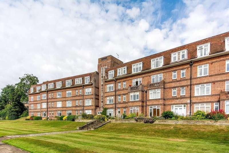 1 Bedroom Flat for sale in Cross Deep, Twickenham, TW1