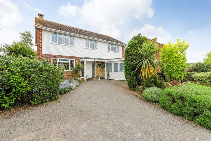 4 Bedrooms Detached House for sale in Seasalter Lane, Seasalter, WHITSTABLE, CT5