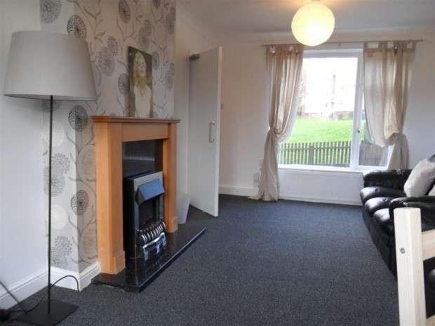 6 Bedrooms Terraced House for rent in Queenswood Drive, Leeds, LS6
