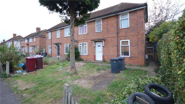 3 Bedrooms Semi Detached House for sale in Staverton Road, Reading, Berkshire