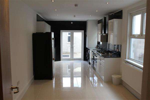6 Bedrooms Terraced House for rent in Mackintosh Place, Roath, Cardiff