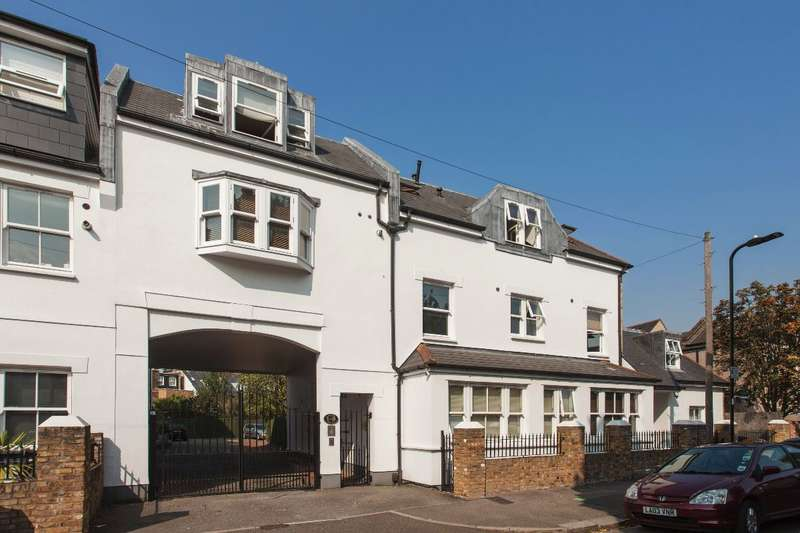 2 Bedrooms Flat for sale in Copper Mews