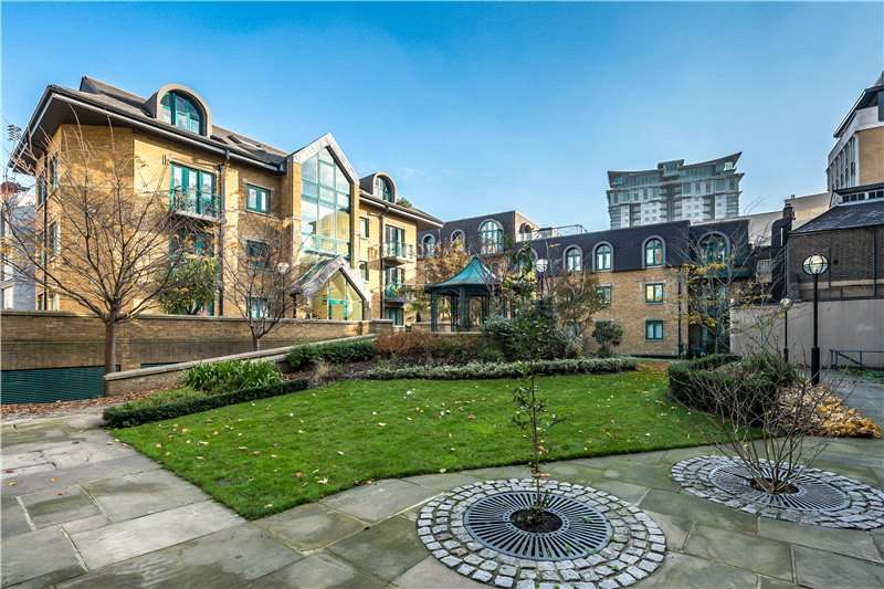 2 Bedrooms Flat for sale in Chamberlain House, 126 Westminster Bridge Road, Waterloo, London, SE1