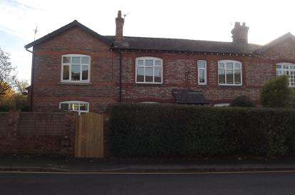4 Bedrooms Semi Detached House for sale in Chapel Lane, Wilmslow, Cheshire