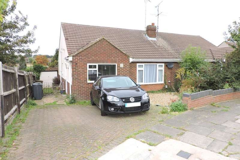 3 Bedrooms Bungalow for sale in The Crest, Luton, Bedfordshire, LU3 2LE