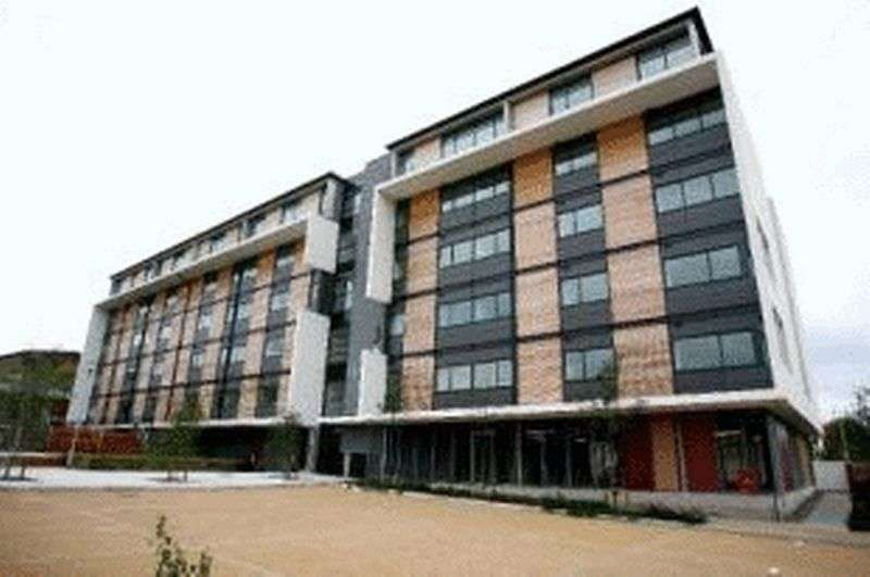 2 Bedrooms Flat for sale in Madison Court, Salford Quays