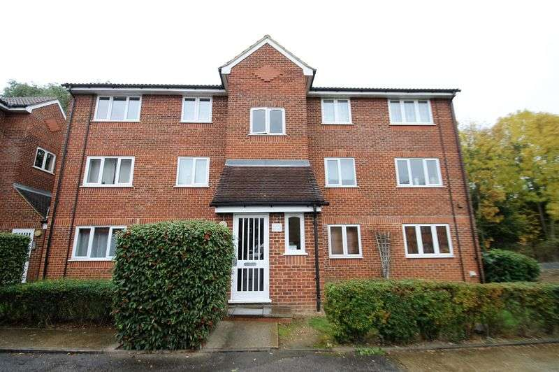 1 Bedroom Flat for sale in Dehavilland Close, Northolt