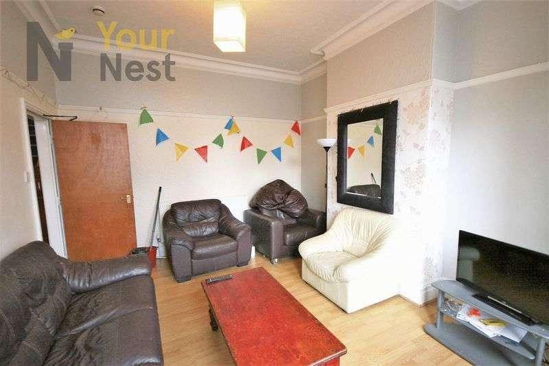 8 Bedrooms Terraced House for rent in Derwentwater Terrace, Headingley, LS6 3JL