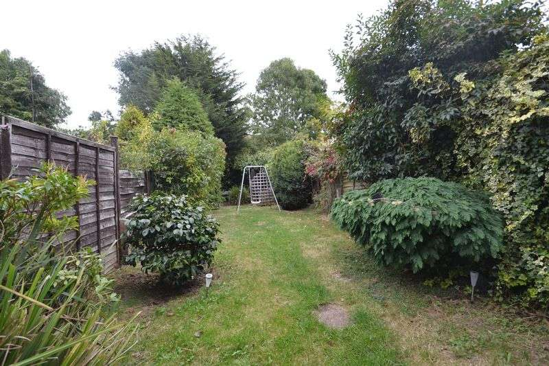 2 Bedrooms Terraced House for sale in Northover, Bromley