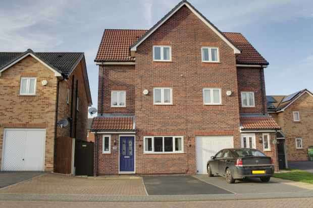 4 Bedrooms Semi Detached House for sale in Haverhill Grove, Barnsley, South Yorkshire, S73 0DY