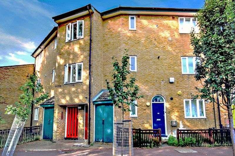1 Bedroom Flat for sale in Whidborne Close, SE8 4DL