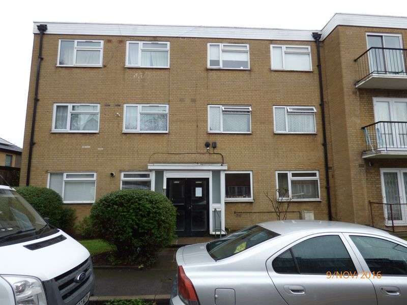 2 Bedrooms Flat for sale in Spacious 2 bedroom First Floor Flat With Share of Freehold, Leyton London.