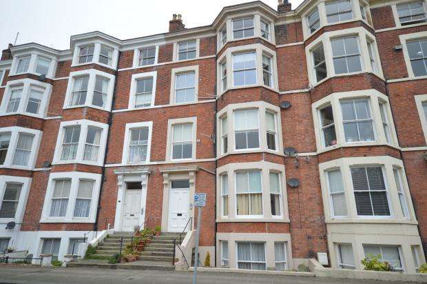 2 Bedrooms Apartment Flat for sale in Prince of Wales Terrace, Scarborough, North Yorkshire, YO11 2AL