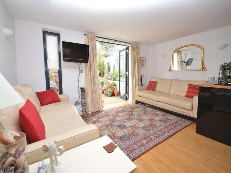 1 Bedroom Flat for sale in Cross Road, Kingston Upon Thames, KT2